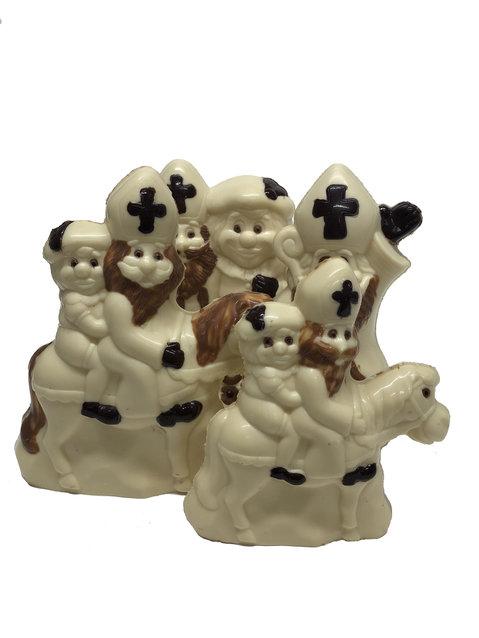 Ingekleurde sint chocolade figuren wit